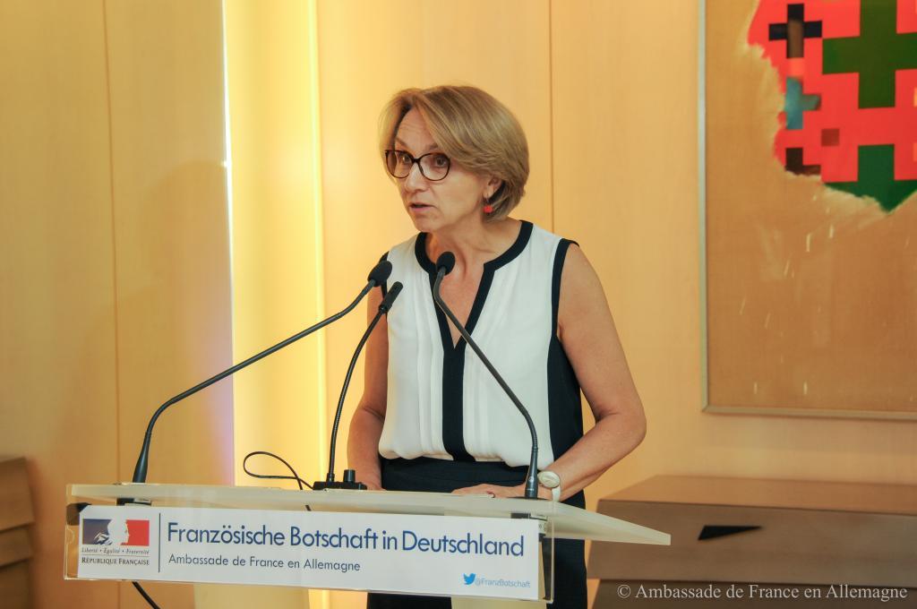 Begrüßung durch die Botschafterin Frankreichs, Anne-Marie Descôtes