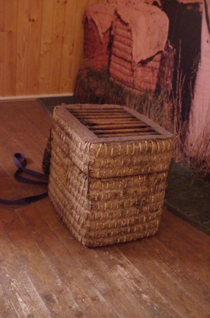 Der Kanitzkorb dient vor allem der Gewinnung von Scheibenhonig - Heidehonig in unbebrütetem Jungernbau.